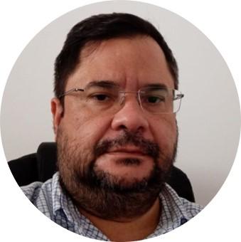 Dr. Márcio Borges